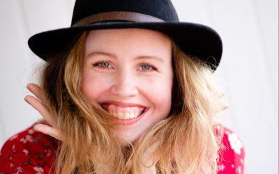 Episode #21 over verhalen vertellen en je eigen weg volgen, dubbelinterview met Lotte Gerland